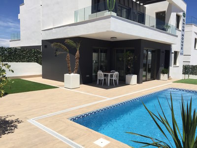 Ref:IPGD1032 Villa For Sale in Villamartin