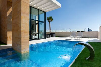 Ref:IPGF943102 Villa For Sale in Cabo Roig