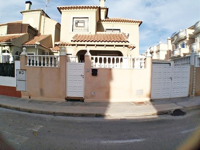 Ref:IPGO3940 Villa For Sale in Torrevieja