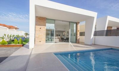 Ref:IPGO4021 Villa For Sale in Torrevieja
