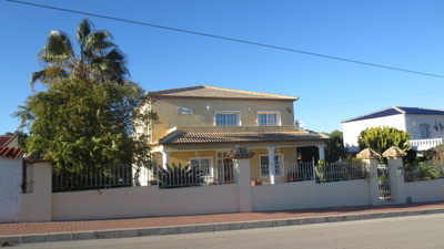 Ref:IPGNN4078 Villa For Sale in Torrevieja
